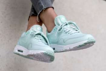 krossovki-nike-wmns-air-max-1-ultra-essential-teal-white-0-78290545899007-735x400